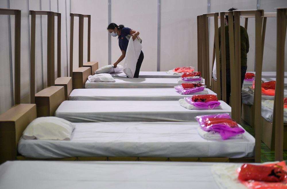 Thái Lan ghi nhận 965 trường hợp nhiễm mới COVID-19 trong ngày đầu của kỳ nghỉ lễ lớn nhất đất nước - Ảnh 3.