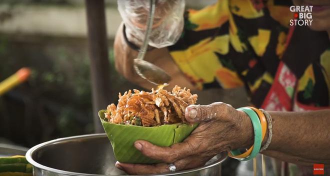 Đặc sản hoa đủ loại rán giòn ở Thái Lan khiến ai đi ngang cũng tình nguyện rút hầu bao - Ảnh 5.