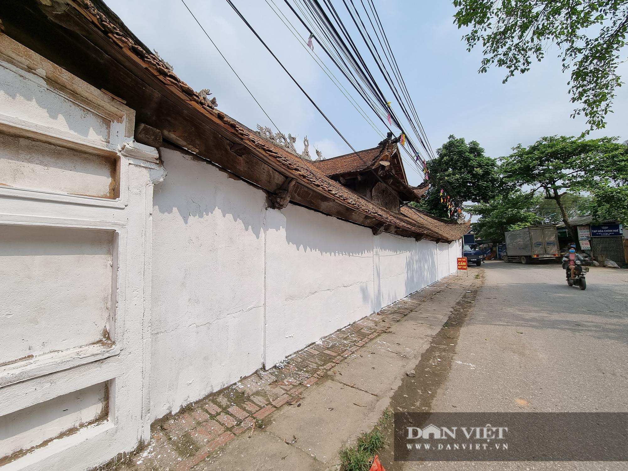 Bức tường tại đình làng cổ Tiên Lữ bất ngờ được sơn trắng - Ảnh 6.