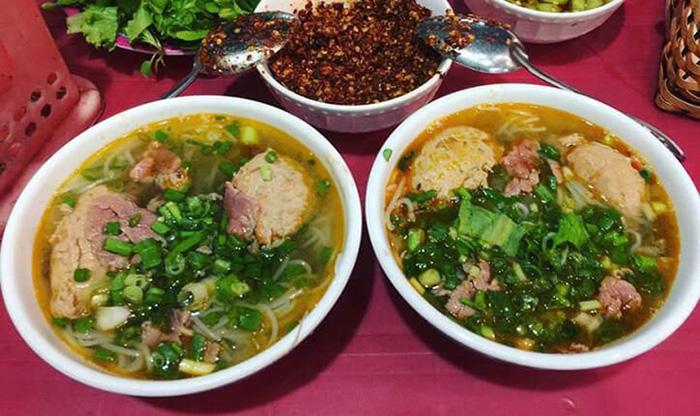 Du lịch 2021: Hà Nội và Huế lọt Top 10 điểm đến ẩm thực lý tưởng nhất Đông Nam Á - Ảnh 3.