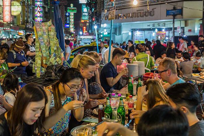 Du lịch 2021: Hà Nội và Huế lọt Top 10 điểm đến ẩm thực lý tưởng nhất Đông Nam Á - Ảnh 4.