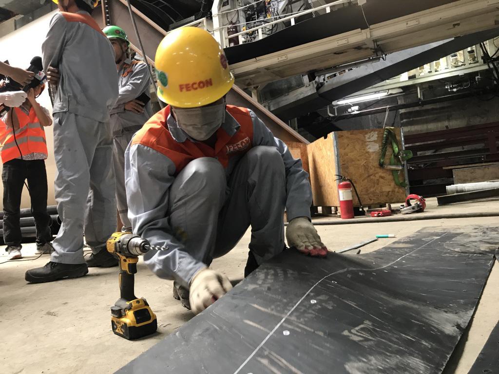 Doanh nghiệp được giảm đóng bảo hiểm xã hội nếu chấp hành tốt đảm bảo phòng ngừa tai nạn lao động... Ảnh: N.T