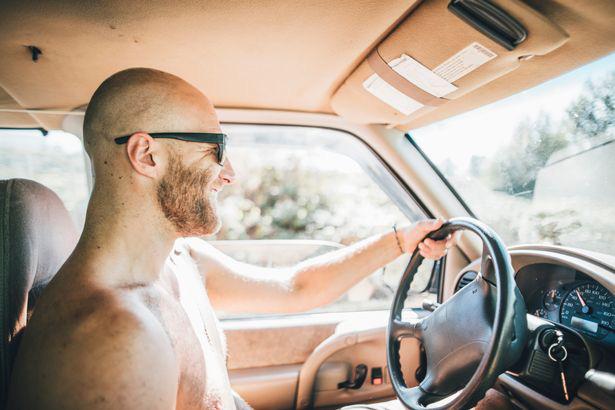 Những luật giao thông kỳ lạ nhất thế giới, có cả lệnh cấm lau ô tô bằng quần lót bẩn - Ảnh 2.