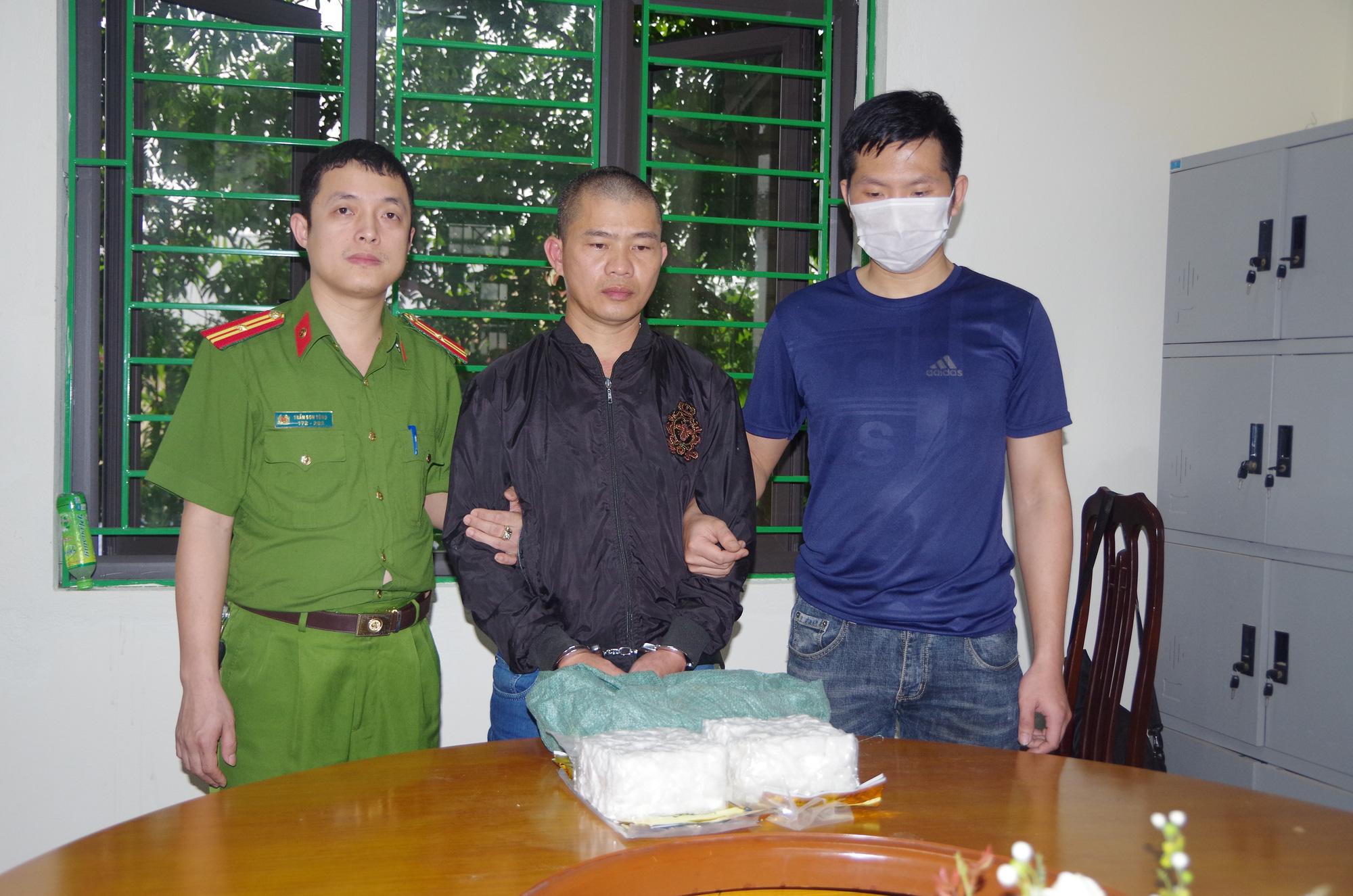 Thái Nguyên: Bắt hai đối tượng mua bán trái phép gần 2kg ma túy đá - Ảnh 1.