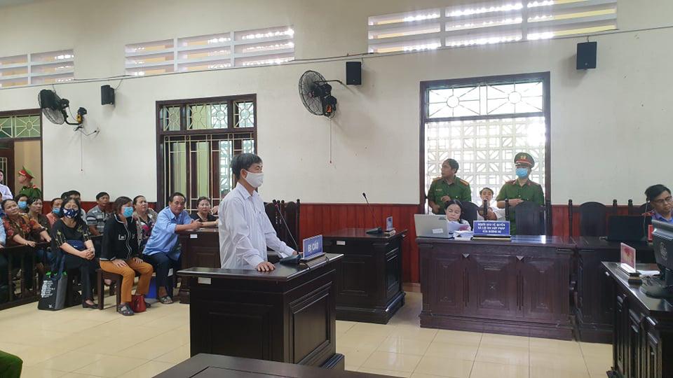 Cựu Trưởng phòng Cục thuế Bình Định nhận hối lộ lĩnh án - Ảnh 1.