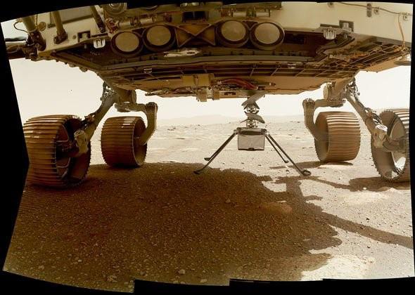 Chuyến bay lịch sử của chiếc trực thăng NASA thám hiểm sao Hỏa đã thành công - Ảnh 2.