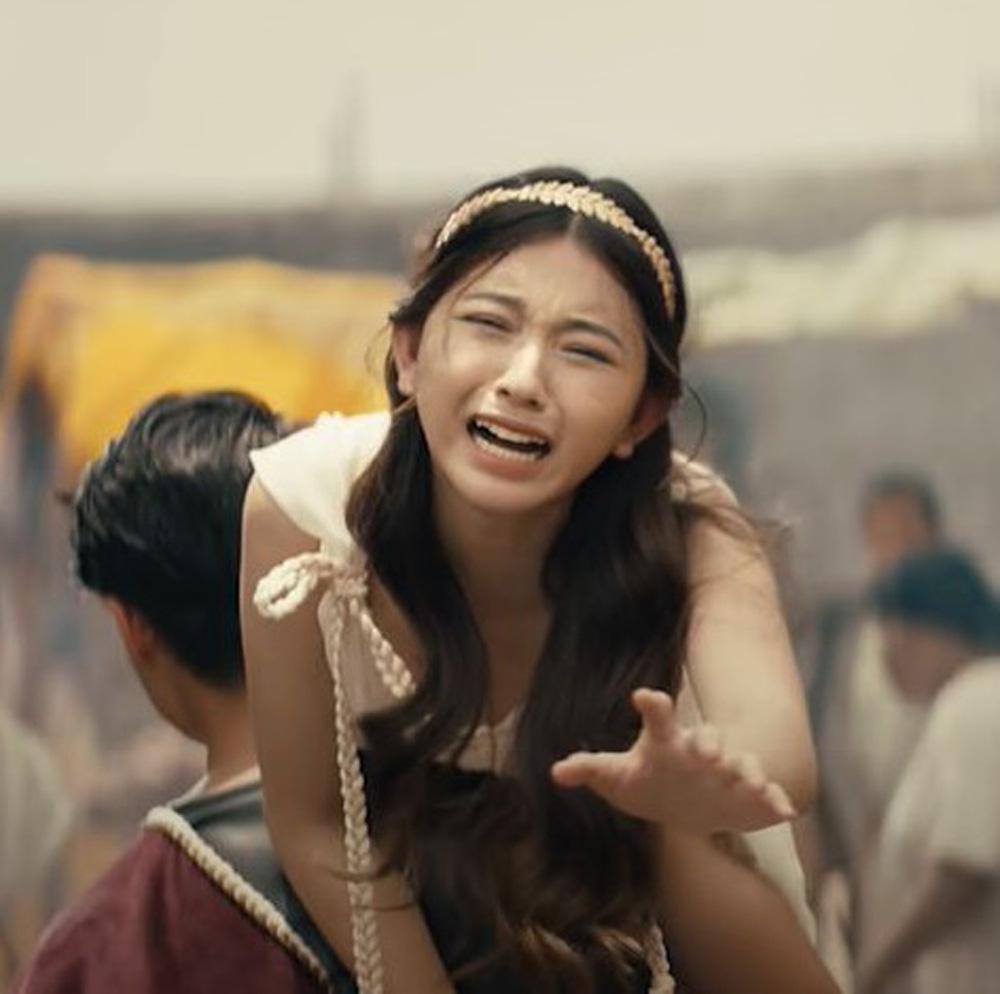 Bâu - nữ chính gợi cảm trong MV mới của Jack - Ảnh 3.
