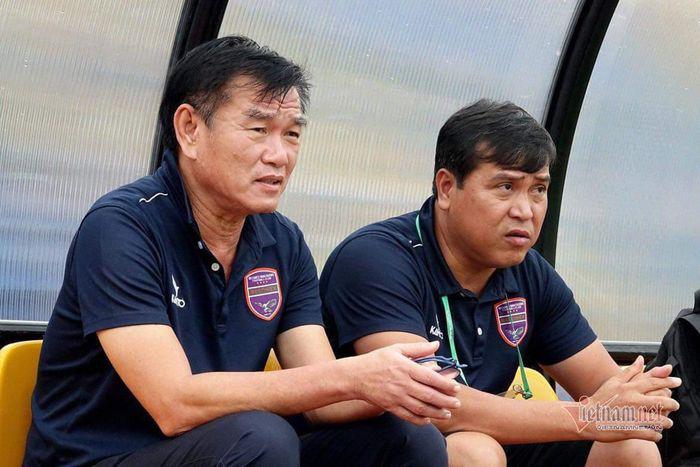 Vì sao HLV Phan Thanh Hùng bất ngờ chia tay Bình Dương? - Ảnh 2.