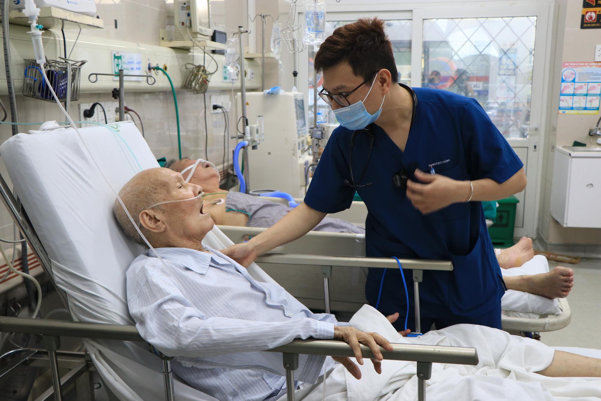 """Lãnh đạo Bệnh viện Bạch Mai: """"Không có mất mát hy sinh nào mà không có kết quả"""" - Ảnh 5."""