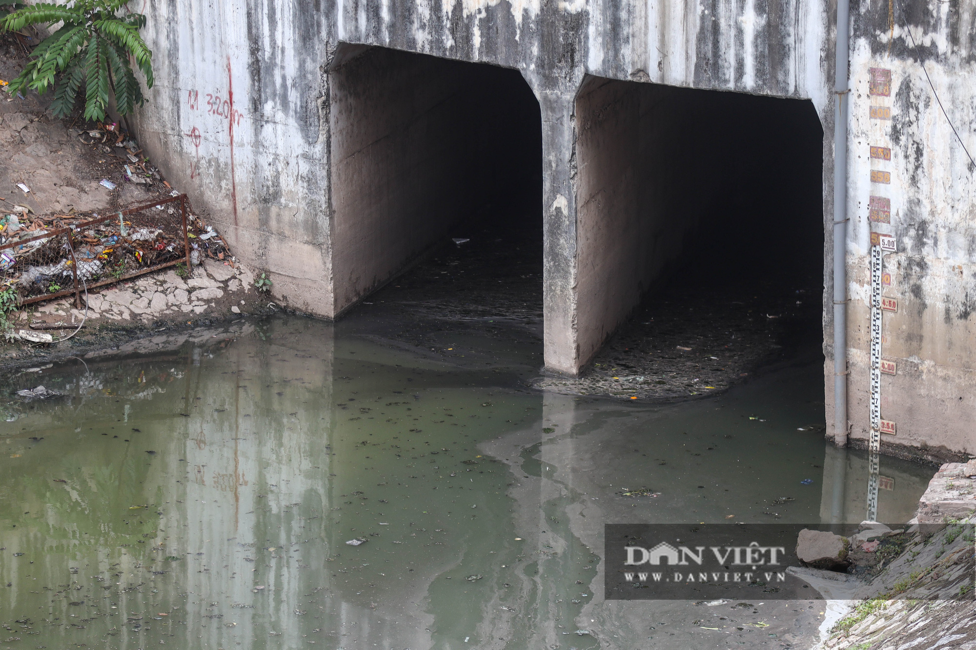 Điểm mặt những con sông ô nhiễm có tiếng ở Hà Nội - Ảnh 2.