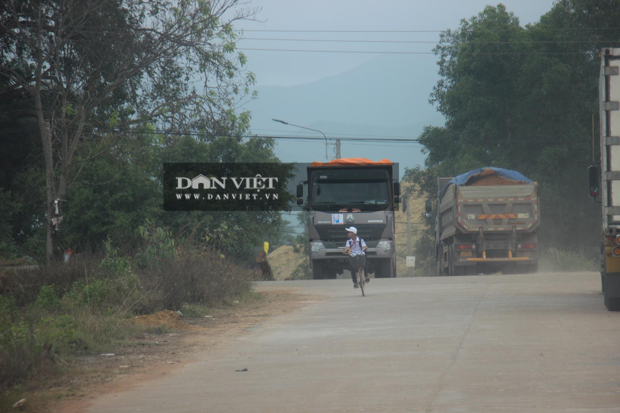 """Bình Định: Đoàn xe hổ vồ """"siêu tải"""" Bá Sanh Đường tung hoành - Ảnh 7."""