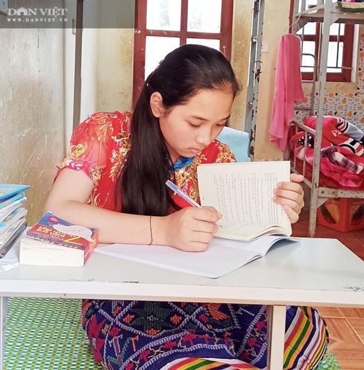 Nghệ An: Nghị lực vượt khó của cô học trò nghèo có bố mẹ đều mắc bệnh về thần kinh - Ảnh 2.