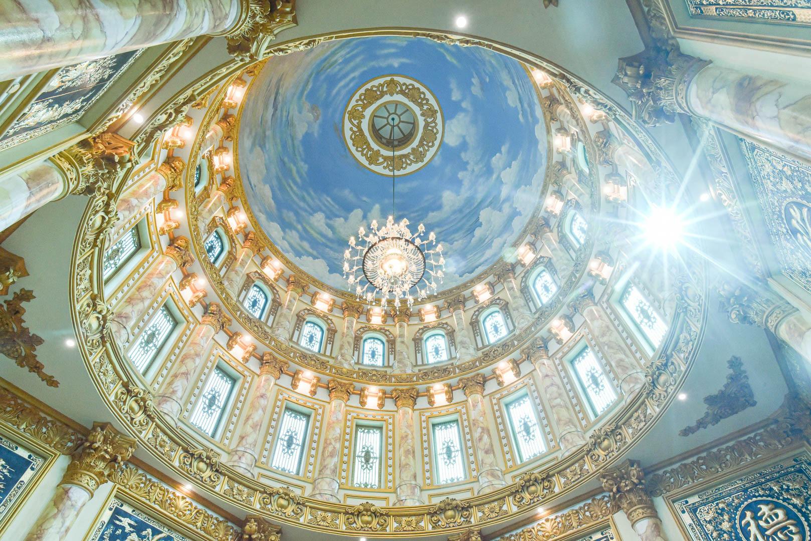 """Lâu đài """"dát vàng"""", bên trong toàn nội thất đắt đỏ của đại gia ở Hưng Yên - Ảnh 10."""