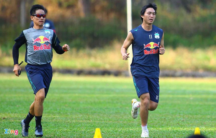 "Tin sáng (15/4): HLV Kiatisak nhận tin cực vui về ""Ronaldinho Việt Nam"" - Ảnh 1."