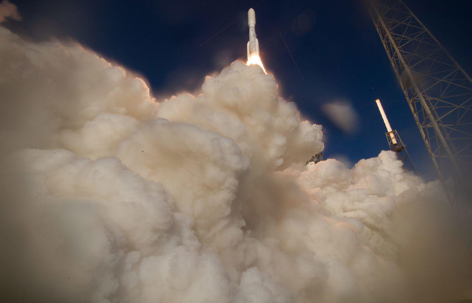 NASA công bố những hình ảnh mới nhất tại sao Hỏa - Ảnh 1.