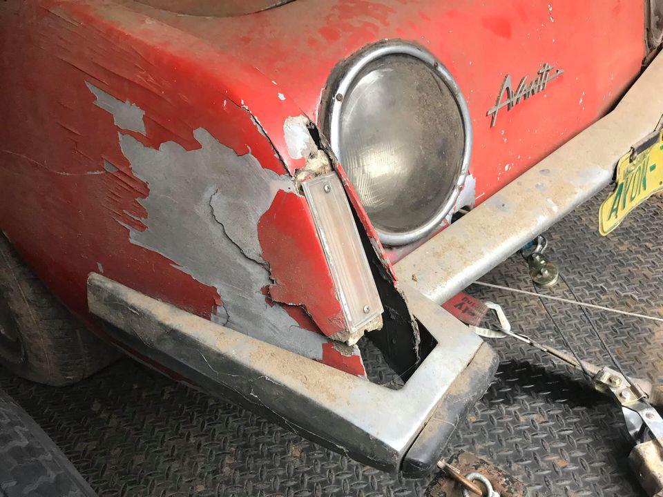 """Chiếc Studebaker Avanti 1963 từng phá vỡ 29 kỷ lục tốc độ, """"ngủ yên"""" 40 năm chờ ngày tái xuất - Ảnh 5."""