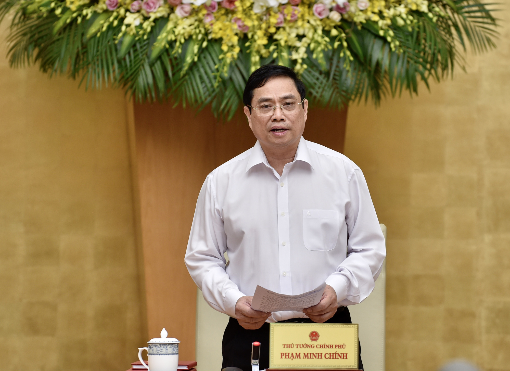 Phiên họp Chính phủ đầu tiên do Thủ tướng Phạm Minh Chính chủ trì - Ảnh 2.