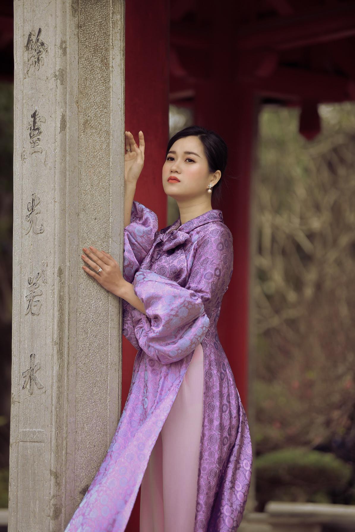 """Lâm Vỹ Dạ """"lột xác"""" xinh đẹp mong manh như nàng thơ nhờ mặc áo dài - Ảnh 4."""