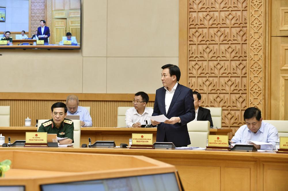 Phiên họp Chính phủ đầu tiên do Thủ tướng Phạm Minh Chính chủ trì - Ảnh 3.