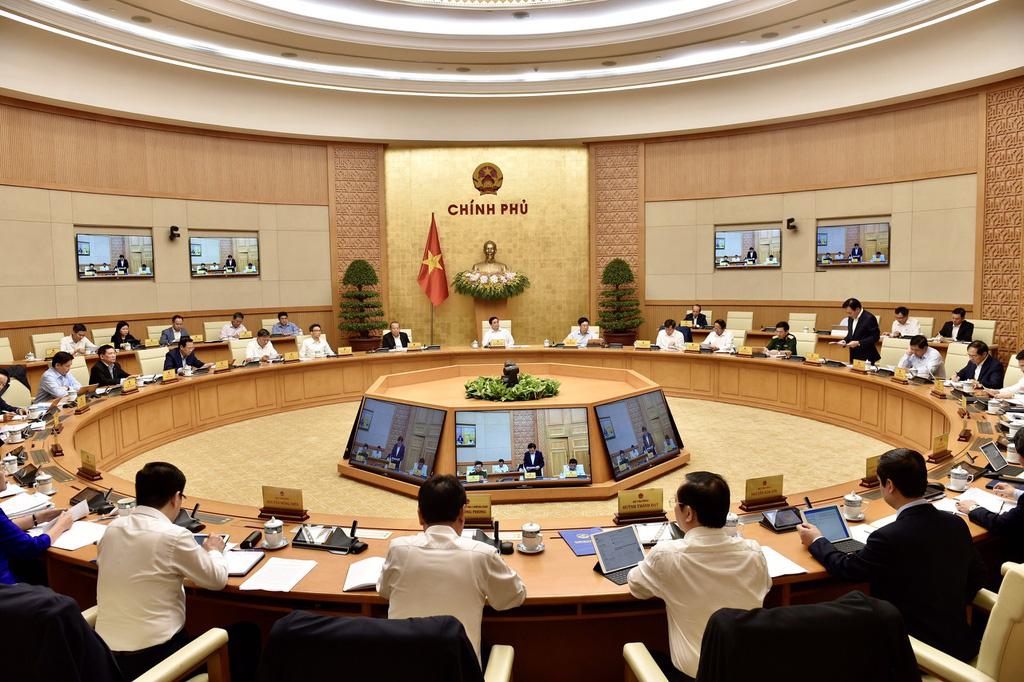 Phiên họp Chính phủ đầu tiên do Thủ tướng Phạm Minh Chính chủ trì - Ảnh 8.