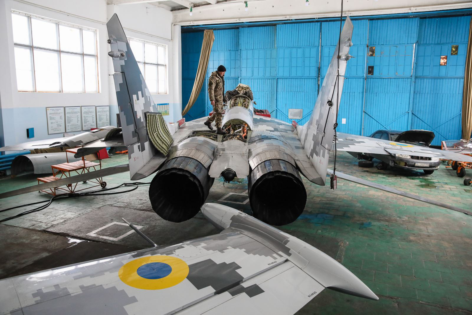 Sức mạnh của Không quân Ukraine liệu có đủ để đối phó Nga? - Ảnh 1.