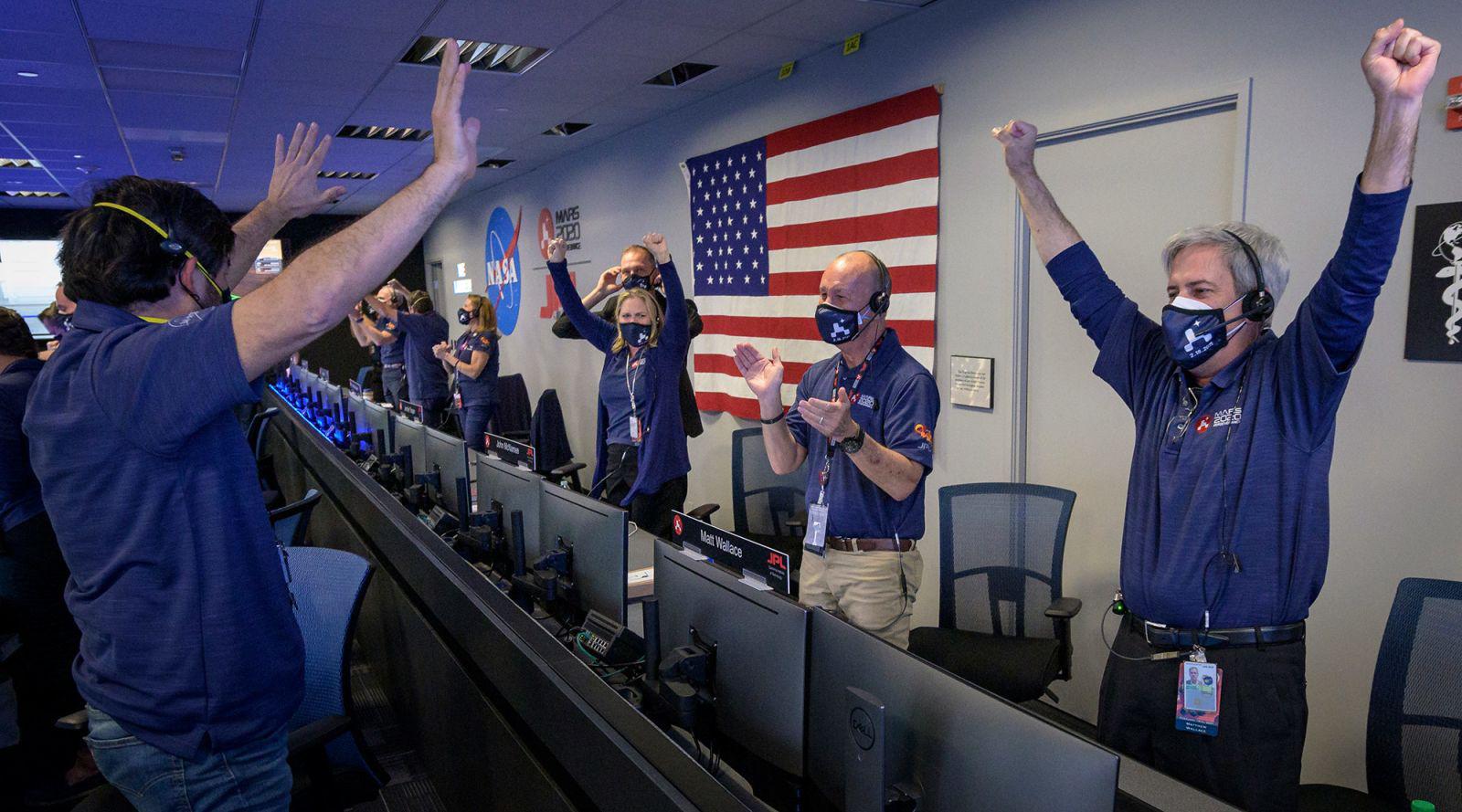 NASA công bố những hình ảnh mới nhất tại sao Hỏa - Ảnh 6.