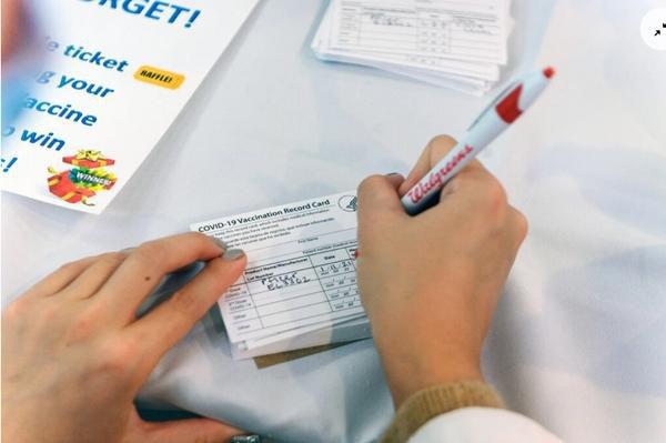 Tranh cãi: Nhiều trường Đại học ở Mỹ yêu cầu sinh viên phải tiêm vắc xin Covid-19 trước năm học mới - Ảnh 8.