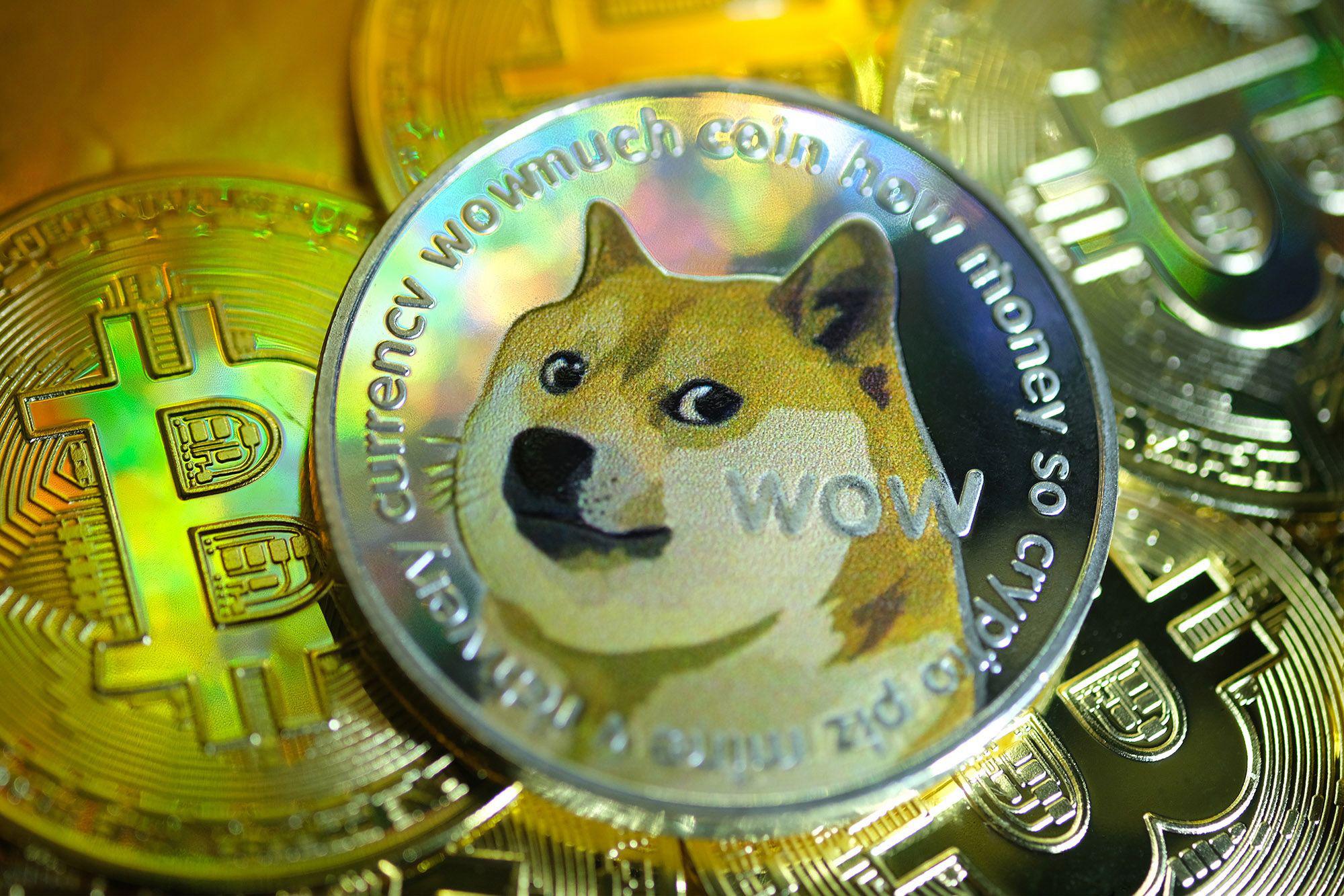 Tiền ảo Dogecoin tăng 85% trong vòng 24 giờ nhờ thương vụ IPO Coinbase - Ảnh 1.