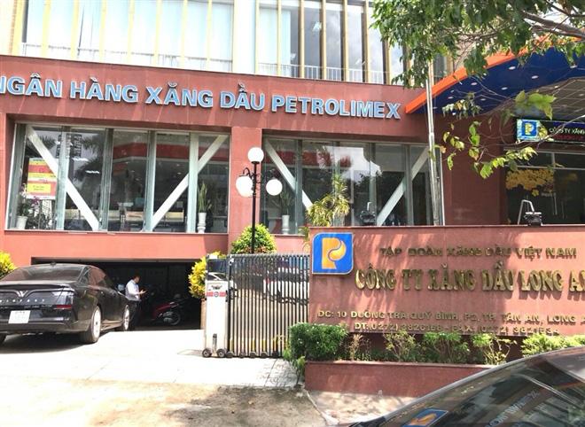 Vụ 2,7 triệu lít xăng giả: Bắt Giám đốc Công ty xăng dầu Long An  - Ảnh 1.