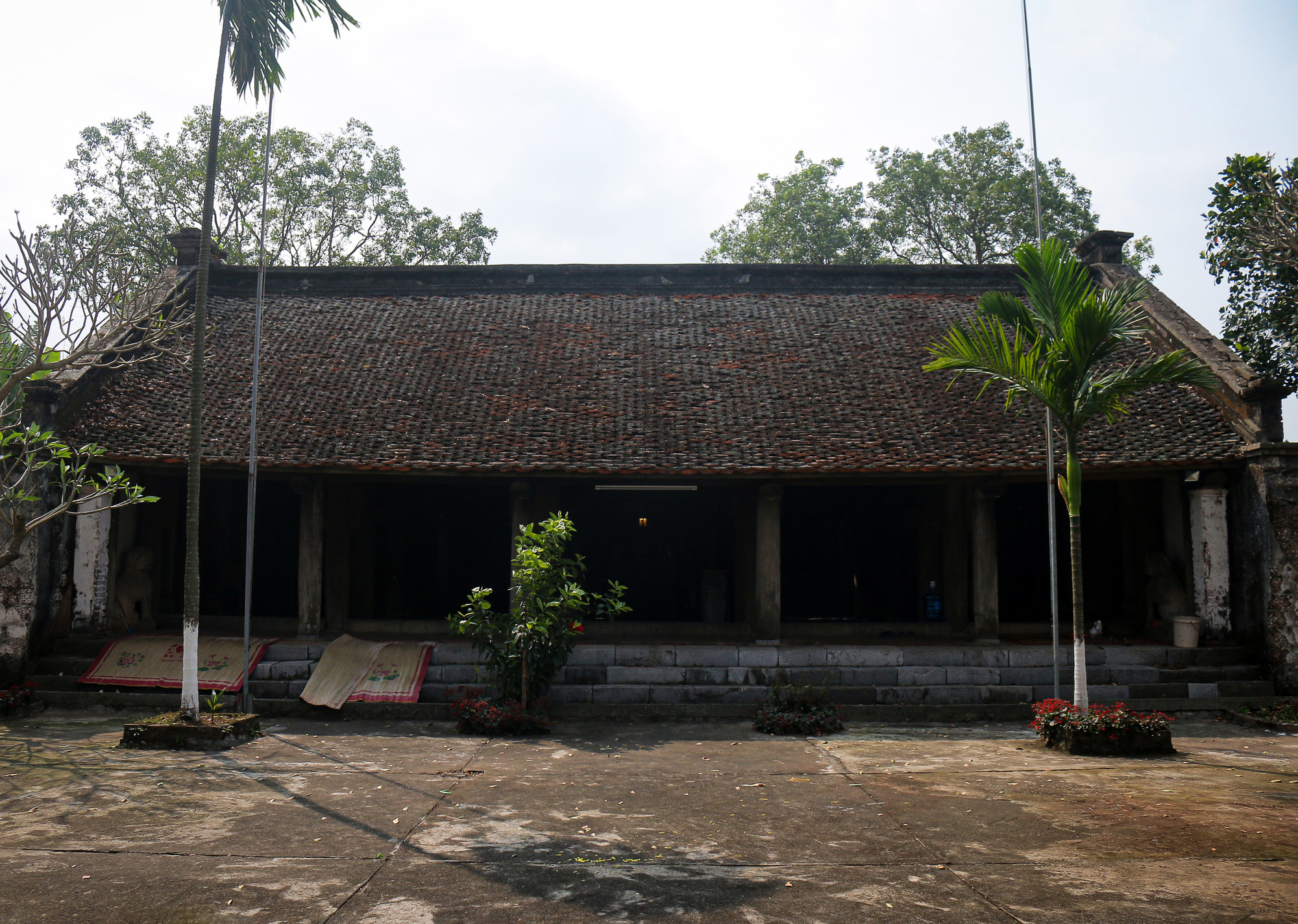 Đền đá Phú Đa: Nét kiến trúc độc đáo tồn tại hơn 300 năm lịch sử - Ảnh 3.