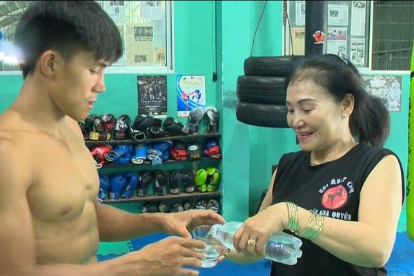 """Bí mật về Nguyễn Trần Duy Nhất: Mẹ là võ sĩ MMA """"vô đối"""" tại Việt Nam - Ảnh 2."""