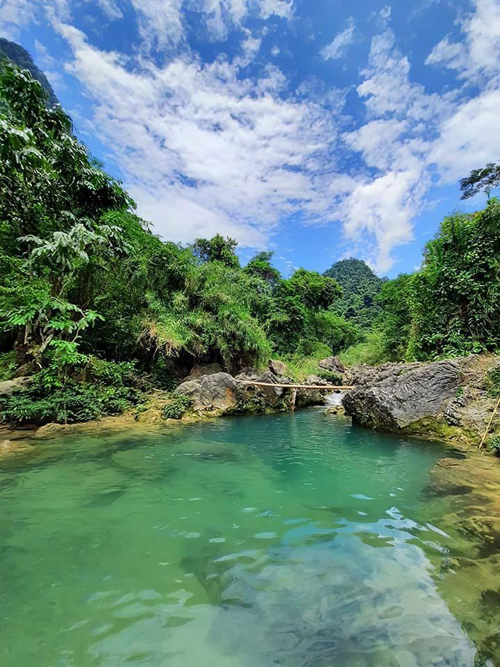 Yên Bái: Nậm Chắn - trải nghiệm tắm tiên và thưởng thức cá suối - Ảnh 1.