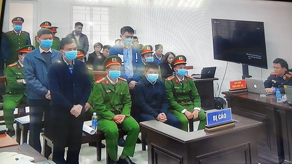 Xét xử cả thứ 7, chủ nhật ở vụ án ông Nguyễn Đức Chung chiếm đoạt tài liệu - Ảnh 2.
