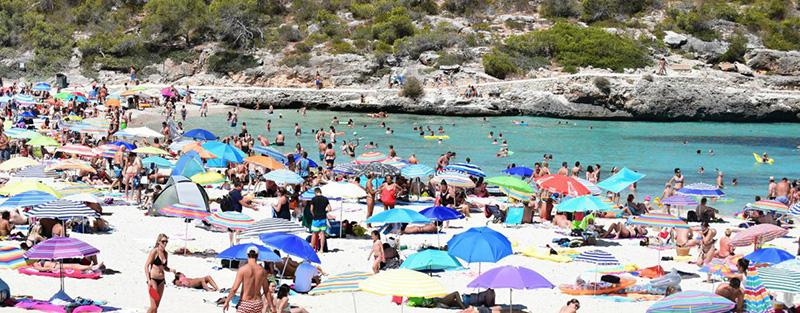 Vì sao Es Trenc được mệnh danh là bãi biển nude đẹp nhất Mallorca - Ảnh 1.