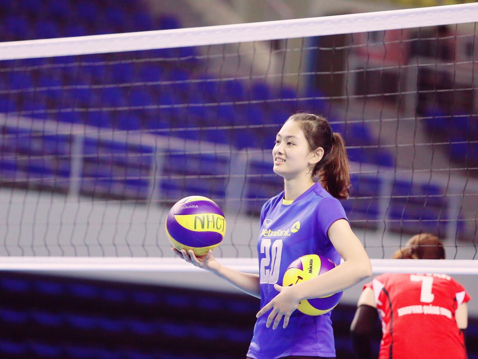 Hoa khôi bóng chuyền Việt Nam cao 1,74 m được báo chí thế giới khen ngợi - Ảnh 1.