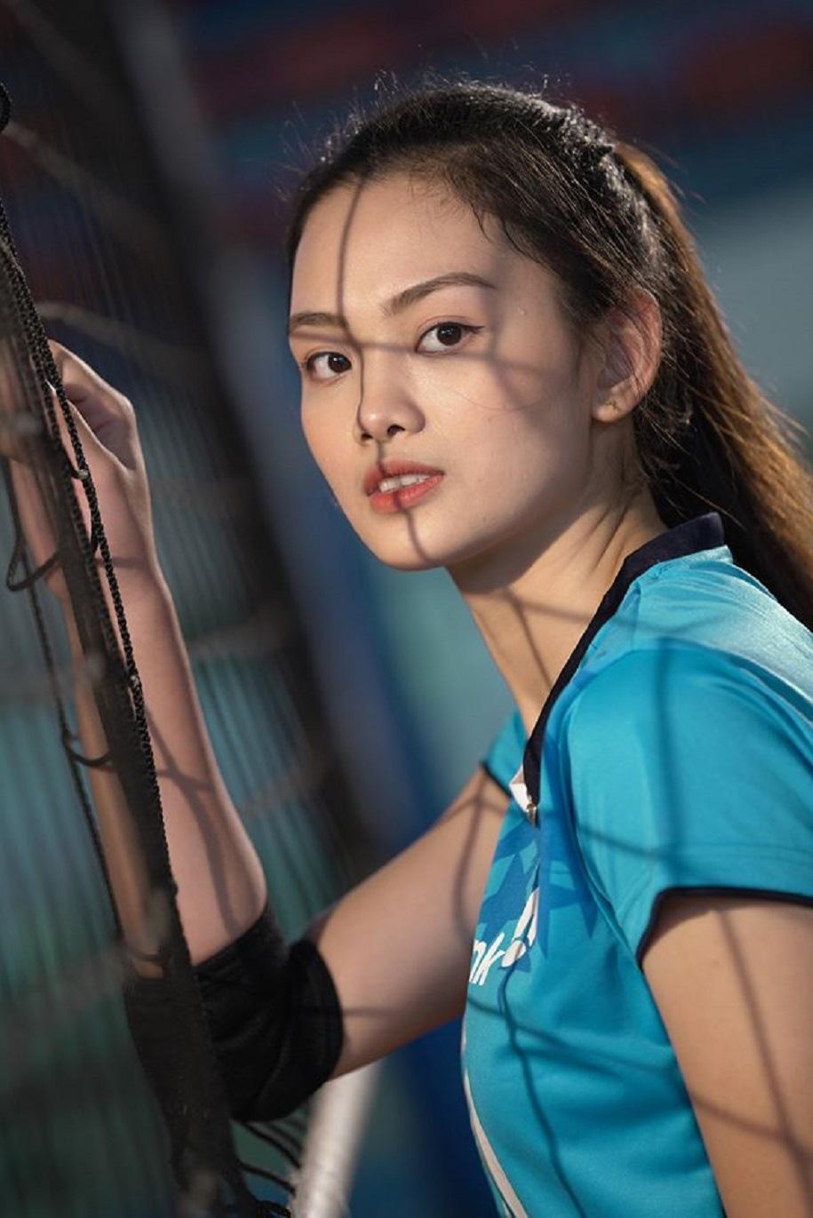 Hoa khôi bóng chuyền Việt Nam cao 1,74 m được báo chí thế giới khen ngợi - Ảnh 6.