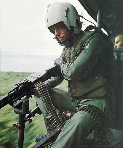 """Điểm """"cận kề cái chết"""" trên trực thăng UH-1 của Mỹ khi tham chiến ở Việt Nam - Ảnh 6."""