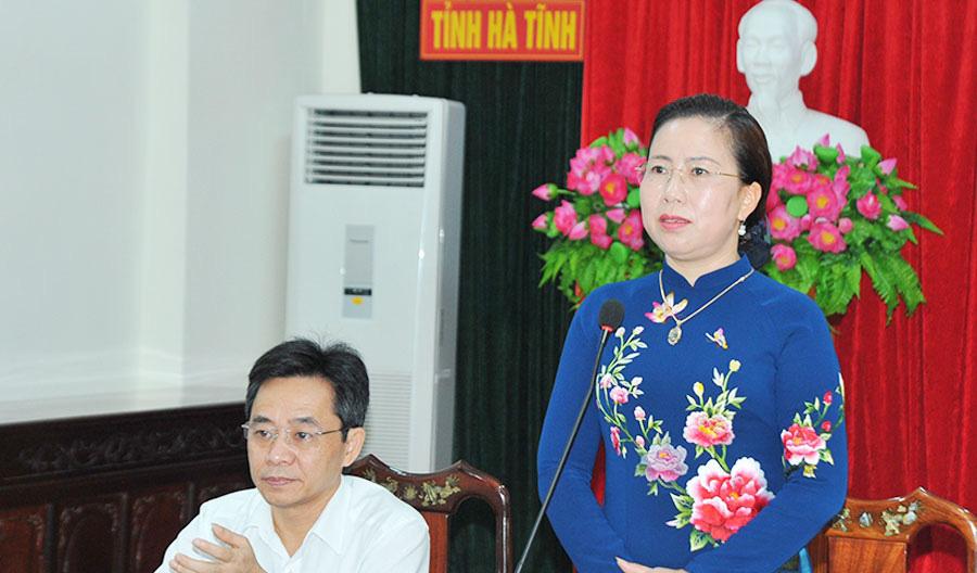 Hội viên nông dân Hà Tĩnh góp hàng trăm tỷ đồng, hàng triệu ngày công xây dựng NTM, nói không với rác thải nhựa - Ảnh 2.