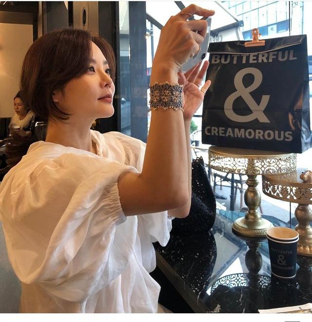 """Chae Rim của """"Tình yêu trong sáng"""": Phụ nữ đẹp nhất khi không thuộc về ai! - Ảnh 9."""