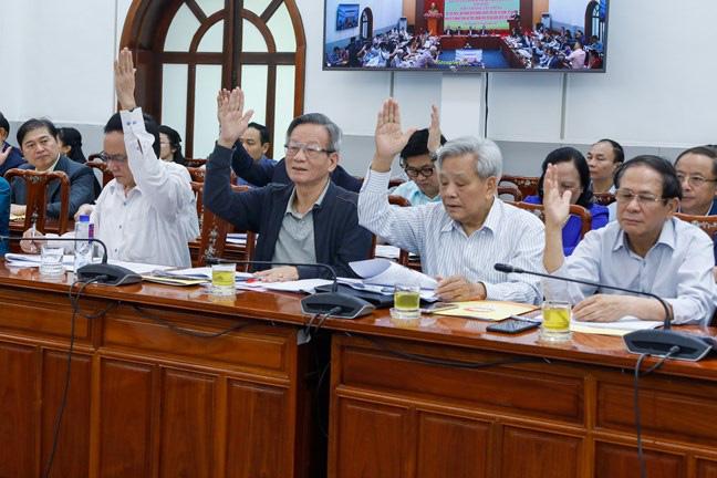 Biểu quyết danh sách 205 người của các cơ quan Trung ương ứng cử ĐBQH, có 16 Ủy viên Bộ Chính trị - Ảnh 1.