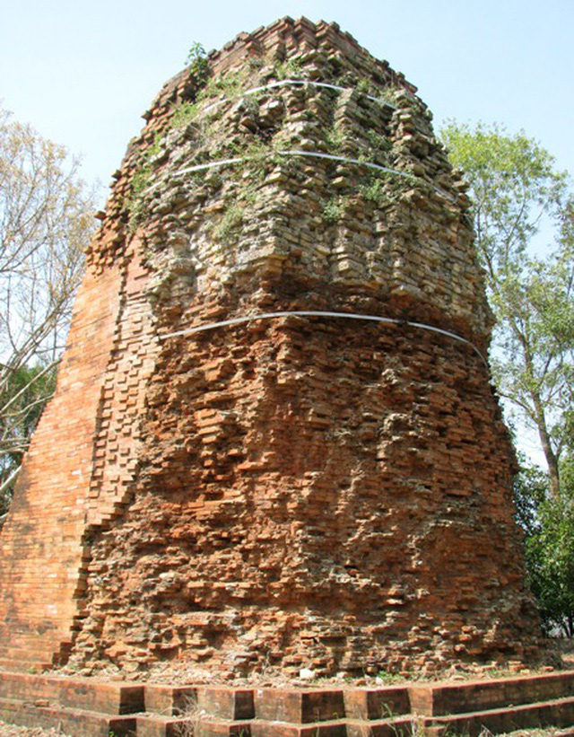 """Tòa tháp cổ ngàn năm tuổi có kiến túc nghệ thuật độc đáo ở xứ """"Công tử Bạc Liêu"""" độc, lạ như thế nào? - Ảnh 4."""