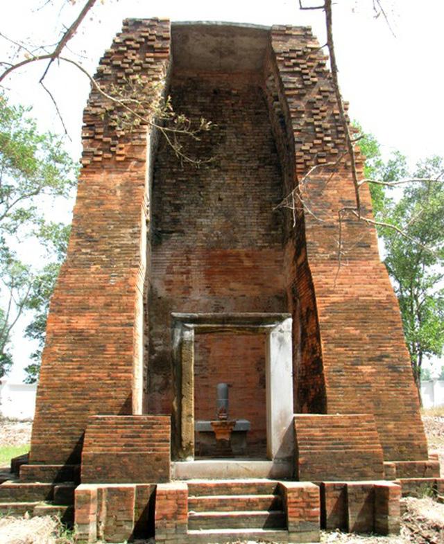 """Tòa tháp cổ ngàn năm tuổi có kiến túc nghệ thuật độc đáo ở xứ """"Công tử Bạc Liêu"""" độc, lạ như thế nào? - Ảnh 5."""