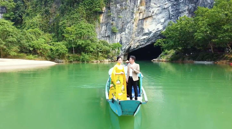 Đẹp mê mẩn với hình ảnh Quảng Bình thiên nhiên tươi đẹp trong MV của ca sĩ Trần Nguyên Thắng - Ảnh 3.