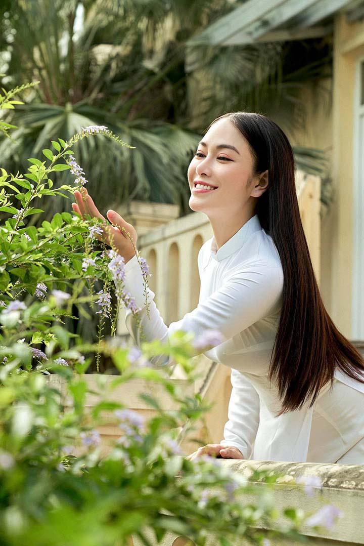 Ca sĩ Tuyết Nga: Danh hiệu Hoa hậu áo dài chỉ như một cuộc dạo chơi trên sắc đẹp! - Ảnh 2.