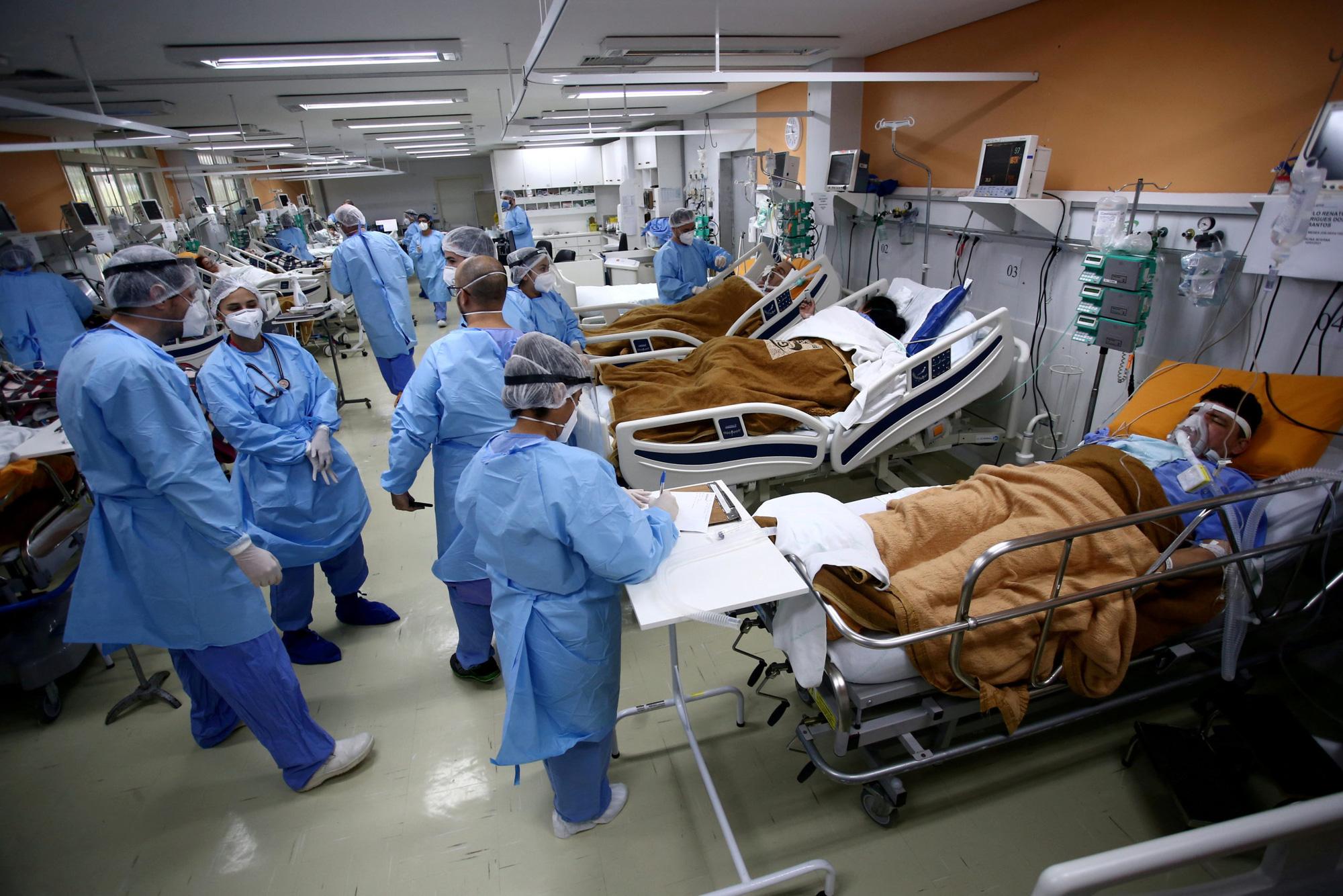 Brazil khuyến cáo phụ nữ không nên mang thai vào thời điểm này do lo ngại biến thể COVID-19 mới - Ảnh 1.