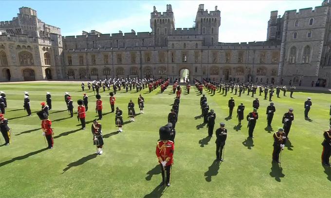Hình ảnh cực quý tộc của đám tang Hoàng thân Philip - Ảnh 1.