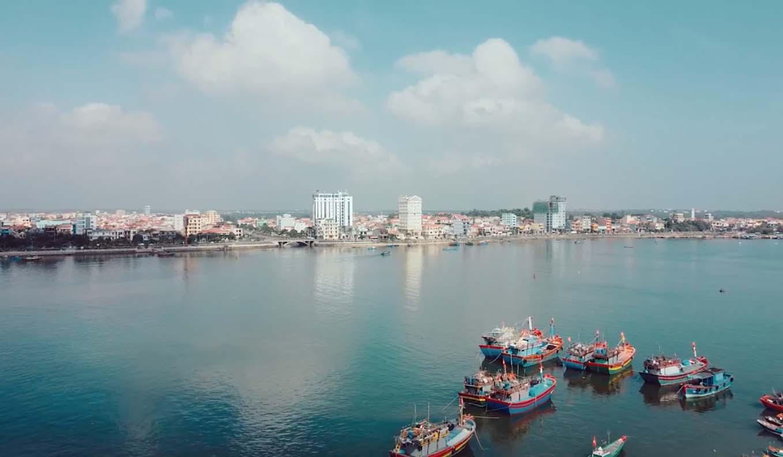 """Sao Mai Huyền Trang quảng bá hình ảnh Quảng Bình qua MV """"Anh có về Quảng Bình cùng em"""" - Ảnh 9."""