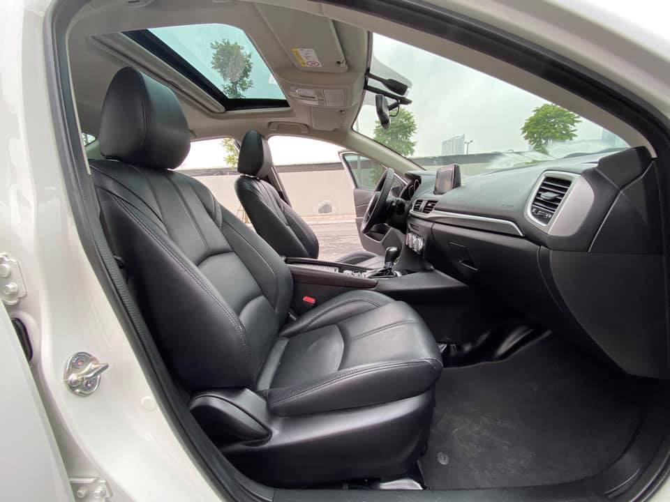 Mazda 3 màu trắng, đăng ký 2020, chạy 1 vạn 2, giá bán ngạc nhiên - Ảnh 3.