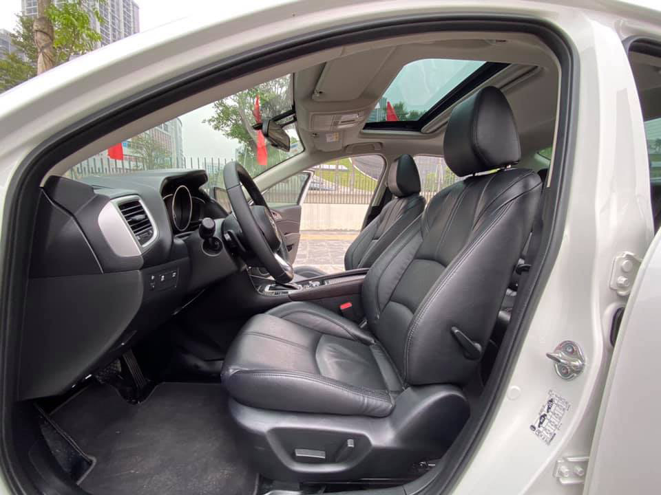 Mazda 3 màu trắng, đăng ký 2020, chạy 1 vạn 2, giá bán ngạc nhiên - Ảnh 4.
