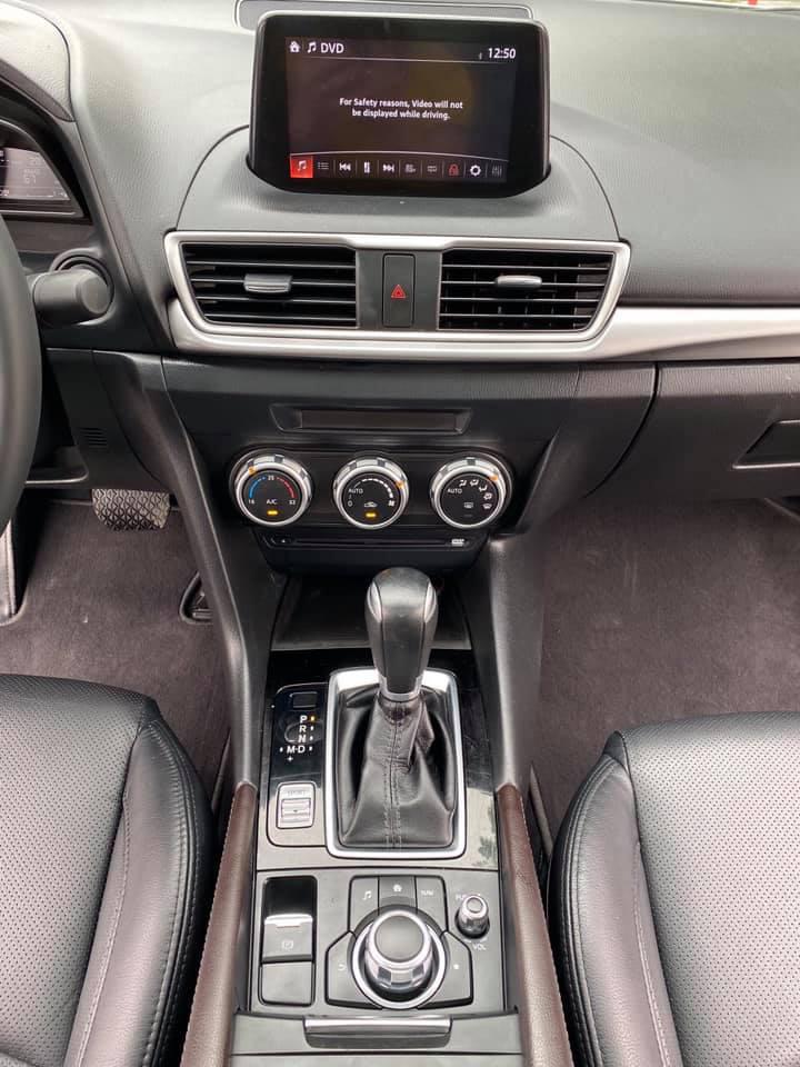 Mazda 3 màu trắng, đăng ký 2020, chạy 1 vạn 2, giá bán ngạc nhiên - Ảnh 5.
